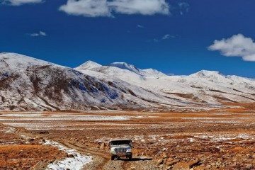 A road near deosai - kahtours