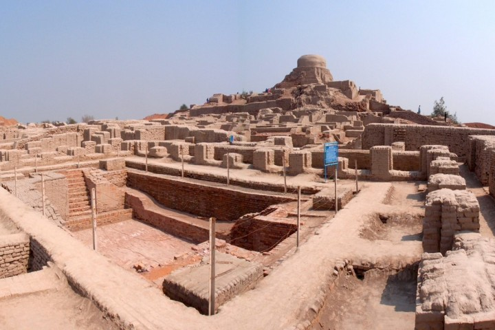 cultural tour to karachi Moenjodaro lahore multan indus civilization
